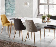 L'essenzialità e la raffinatezza di questo tavolo sono caratteristiche che lo distinguono