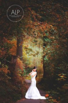 Wedding pictures, wedding photography, weddings, brides, bride and groom pictures, wedding poses for bride and groom, lace wedding dress, autumn wedding ideas, styled wedding, amanda lassiter photography, Beyond the Wanderlust, Inspirational Photography Blog