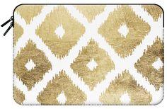 Casetify Macbook Pro 15 MacBook Tasche - Modern chic faux gold leaf ikat pattern by Pink Water Ikat Pattern, Gold Leaf, Macbook Pro, Tech Accessories, Casetify, Animal Print Rug, Chic, Water, Modern