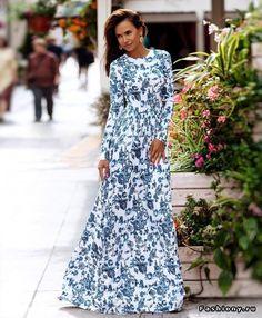 На манеже те же: платья