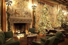 The inside scoop on decorating Biltmore House for Christmas, Biltmore, Christmas, holiday, Asheville Biltmore Estate Christmas, Noel Christmas, Christmas Feeling, Christmas Fireplace, Green Christmas, Christmas Stuff, Vintage Christmas, Christmas Lodge, Christmas Mantels