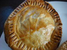 Foodycat: Proper Aussie Meat Pies: it's Pi Day Aussie Pie, Australian Meat Pie, Aussie Food, New Zealand Meat Pie Recipe, Irish Recipes, Pie Recipes, Yummy Recipes, Savory Tart, Savoury Pies