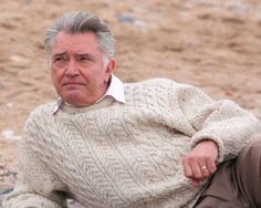 Great British Drama: George Gently Martin Shaw looking awfully fine in this jumper from Series 3. Fantastic show!
