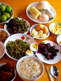 Chinese Breakfast. Hmmmmmm. Want to try.