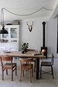 Most current Totally Free Fireplace Remodel diy Strategies Ich liebe es den Apartment Kitchen, Apartment Living, Living Room, Carpet Diy, Wooden Office Chair, Chula, Fireplace Remodel, Bedroom Flooring, Bedroom Carpet