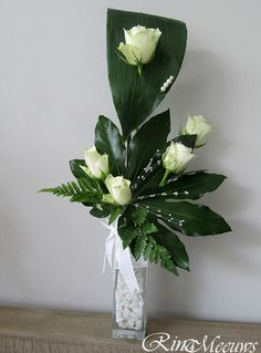 設計花藝19 White Flower Arrangements, Flower Arrangement Designs, Flower Designs, Faux Flowers, White Flowers, Beautiful Flowers, Spring Flowers, Deco Floral, Arte Floral