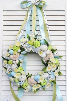 Diy Crafts For Gifts, Crafts To Make And Sell, Diy Furniture Projects, Diy Wood Projects, Diy Bed Frame, Easter Wreaths, Diy Home Decor, Floral Wreath, Gardening
