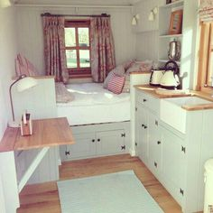 Small home interior design: the best tiny house,cozy interior. Shed To Tiny House, Best Tiny House, Tiny House Living, Tiny House Design, Cozy House, Bus Living, Living Rooms, Cozy Cabin, House Ideas