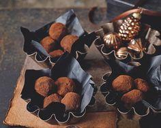 Rumové guľky - Receptik.sk Kakao, Dairy, Cheese, Food, Figs, Chocolate Candies, Essen, Meals, Yemek