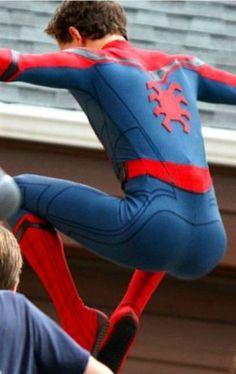 Tribute to Tom's nice butt Spideypool, Pretty Men, Beautiful Men, Lycra Men, Tom Holland Peter Parker, Men's Toms, Marvel Dc, Spiderman Marvel, Cute Boys