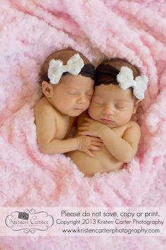 Newborn twin girls, pink heart pose. Kristen Carter Photography www.kristencarterphotography.com