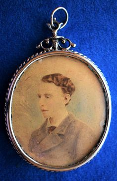 Victorian Mourning Pendant With Hair by RedOakRambler on Etsy