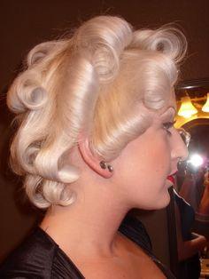 vintagehair: Easy Marilyn Monroe hair tutorial