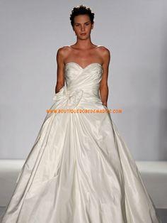 Robe de mariée simple en taffetas
