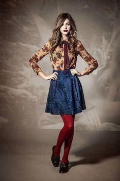 ▷ Ideas for high waist skirt + how to match it - Beauty Dress - Jupe Quirky Fashion, Retro Fashion, Vintage Fashion, Womens Fashion, Red Tights, Tights Outfit, Estilo Gamine, Estilo Gossip Girl, Estilo Cool