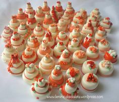 Minicake in pasta di mais. Handmade for wedding  https://leminicakedialeta.wordpress.com/2016/09/05/minicake-arancio-e-pesca-per-valerio-e-marcella/
