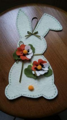 Felt Crafts, Easter Crafts, Fabric Crafts, Diy And Crafts, Crafts For Kids, Arts And Crafts, Paper Crafts Origami, Felt Patterns, Felt Ornaments