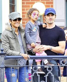 Nahla Aubry, 2012 Halle Berry and now husband Olivier Martinez watch the Soundsational parade with daughter Nahla at Disneyland.