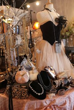 vintage boutique | Cinderella getting ready for The Masquerade Ball