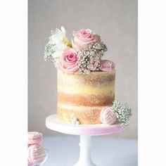 When a cake is this beautifully made, one tier is more than enough. The gorgeous rose and macaron toppers keep the design looking as pretty and as perfect as ever. What a stunning single tier wedding (Red Ombre Cake) Drip Cakes, Macaron Cake, Cupcake Cakes, Pretty Cakes, Beautiful Cakes, Wedding Desserts, Wedding Cakes, Nake Cake, Chocolate Hazelnut Cake