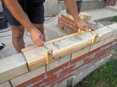 Приспособление для кладки кирпича Brick Masonry, Family House Plans, Construction Tools, Reinforced Concrete, Wall Cladding, Facade Design, Diy Planters, Cool Tools, Dremel