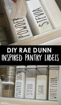 Rae Dunn Farmhouse Style Kitchen Labels Heres how to DIY some trendy Rae Dunn inspired farmhouse style pantry decals!Heres how to DIY some trendy Rae Dunn inspired farmhouse style pantry decals! Kitchen Labels, Pantry Labels, Kitchen Pantry, Organized Kitchen, Pantry Sign, Pantry Cabinets, Kitchen Worktop, Pantry Storage, Kitchen Sinks