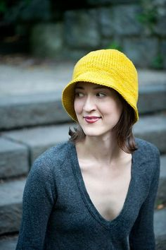 Love this knitted cloche. I must knit before Scotland-guess I better get started today!