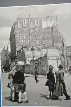 Herbert List, Old Paris, Vintage Paris, Vintage Photography, Street Photography, Best Vacation Destinations, Montmartre Paris, Robert Doisneau, Fairytale Castle
