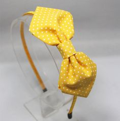 Items similar to polka dots cotton bow- YELLOW on Etsy Flower Girl Headbands, Diy Headband, Diy Hair Bows, Diy Bow, Fabric Embellishment, Leather Diy Crafts, Girls Hair Accessories, Ribbon Crafts, Etsy Jewelry