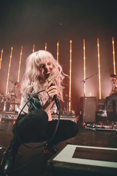 For everything Paramore check out Iomoio Hayley Paramore, Paramore Hayley Williams, Taylor York, Music Pics, Women In Music, Black Veil Brides, Pierce The Veil, Grunge Hair, Celebs
