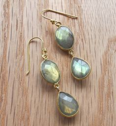 Labradorite come in an array of colors, these earrings have a golden flash. Are you looking for a particular labradorite? Contact us info@belesas.com, we will be delighted to help find you the labradorite you are seeking!