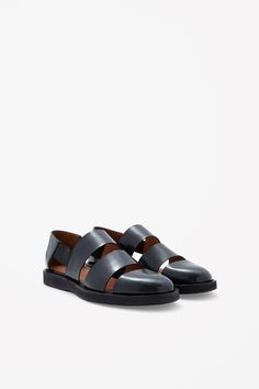 COS image 2 of Polished leather sandals in Navy Leather Sandals, Shoes Sandals, Dress Shoes, Half Shoes, Nigerian Men Fashion, Mens Fashion Shoes, Shoes Men, Fashionable Snow Boots, Everyday Shoes