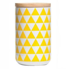 This ceramic canister with a matt finish is perfect to use for panrty storage. With its wooden rubbered sealed airtight lid this is great for sitting on the kitchen bench.Have fun andmix-up colour combinationsSize 110 x 16.2cm 900ml Capacity