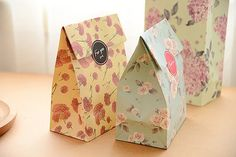 Lot Useful Portable Folding Flora Packaging Envelope Paper Candy Gift Bags Wrapping Wedding Decoration Party Accessories Papel Vintage, Vintage Paper, Vintage Floral, Paper Gift Bags, Paper Gifts, Birthday Party Favors, Birthday Parties, Happy Birthday, Floral Rosa