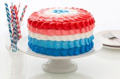 Red, White and Blue Ombre Funfetti Cake #summer #dessert #cake #4thofjuly #patriotic