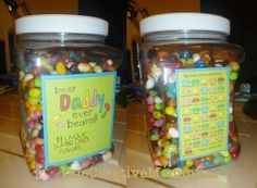 "Try this great jelly bean gift idea for Father's Day! All you need is the ""Best Dad Ever"" printable, jelly beans, and a jar. Diy Birthday Gifts For Dad, Dad Birthday, Good Daddy, Daddy Day, Easy Fathers Day Craft, Gifts For Father, Fathers Day Photo, Happy Fathers Day, Mother's Day Projects"