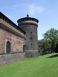 Castello Sforzesco in Milan, #Italy #castle #beautifulplaces