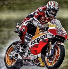 """Nicky Hayden """"Clear eyes, full heart, cant loose"""" Enjoying riding this beast at the island. Starting and hope for a good race! Motorcycle Racers, Racing Motorcycles, Motorcycle Helmets, Course Moto, Nicky Hayden, Vr46, Honda S, Road Racing, Courses"""