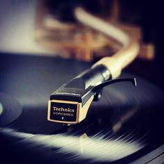 #technics #vinyl #records #djculture #turntablism #musicislife by hiphop_vintage http://ift.tt/1HNGVsC
