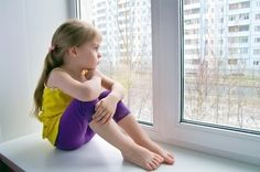 Children Coping With Divorce Coping With Divorce, Divorce And Kids, Physical Symptoms Of Anxiety, Coping With Depression, Depression Symptoms, Sad Child, Your Child, Depresion Infantil, Adhd