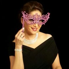 Look what Madhuri Dixit - Nene posted on Facebook exclusively for you. Describe her in just two words now. a)Mystery woman b)Sizzling beauty  #madhuri #bollywood #celeb #spotting #celebrity #dixit #PNG #gadgil #fun #famous #sada #shining