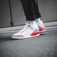 """Air Jordan 3 Retro """"Katrina"""" Air Jordan 9, Air Jordan Sneakers, Jordans Sneakers, Adidas Sneakers, Flight Club, Sneaker Games, Hypebeast Wallpaper, Kicks, Retro"""