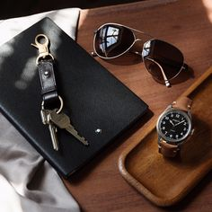 Montblanc в 2019 г. accessories, fashion accessories и mens fashion:cat. Watches Photography, Luxe Life, Royal Jewels, Luxury Watches For Men, Gentleman Style, Fashion Accessories, Mens Fashion, Leather, Key Chain