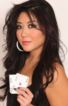 Maria Ho is a professional poker player from Taiwan. #poker #babes