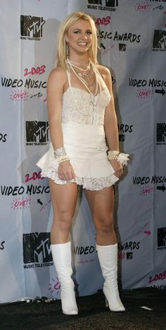 Go Britney Spears Pics - MTV Video Music Awards 2003 Pictures