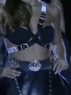 Gianni Versace Fall/Winter 1992-93 - Hell Yeah, Helena Christensen!
