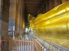 Bangkok Wat Pho - the reclining Buddha