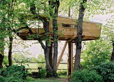 Pendelhof Tree House by Baumraum - Bremerhaven, Germany Cantilever Architecture, Wooden Architecture, Architecture Details, House Architecture, Building A Treehouse, Building A House, Corporate Design, Woodland House, Secret House