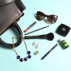 What's in my bag? | Style By Stefana #colLABorate