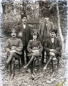 Kara Fatma (Fatma Seher Erden), one of the female protagonists of the War of Independence. Related Best Blond Hairstyles That Will Make You Look Young AgainMilitary Womenturkey, war, and solid photos Turkish Soldiers, Turkish Army, Turkish Military, Turkish War Of Independence, Independence War, Historical Pictures, Historical Maps, Istanbul, Dna Genealogy